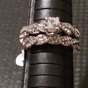 New 2 pc engagement ring size 7